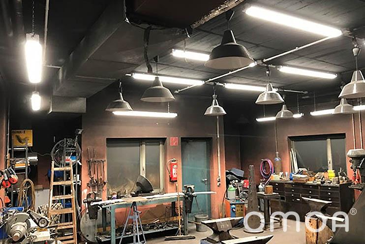 Schmiede in der Waldorfschule Göttingen nach der Installation von omoa LED Feuchtraumleuchten Ultra Bright