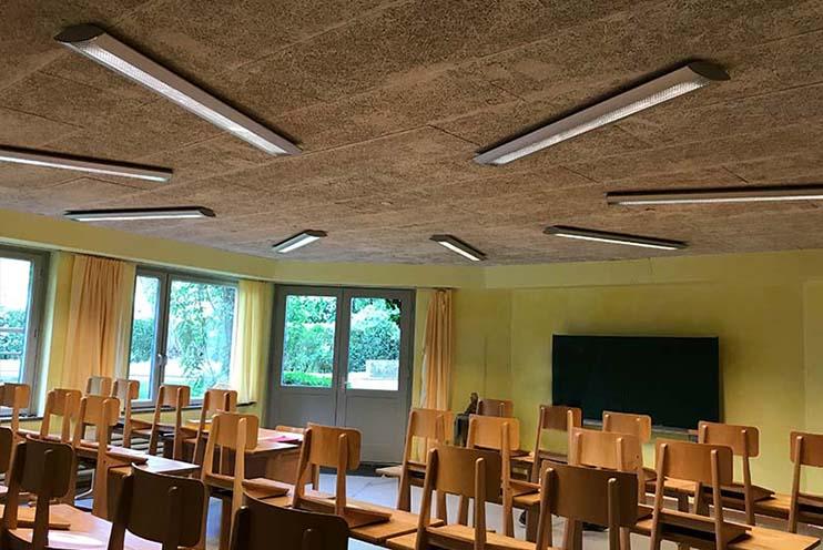 Klassenzimmer in der Waldorfschule Nürtingen vor der Installation von LED Rundpanels