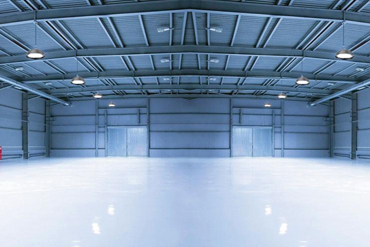 Hallenbeleuchtung mit LED Hallenstrahlern