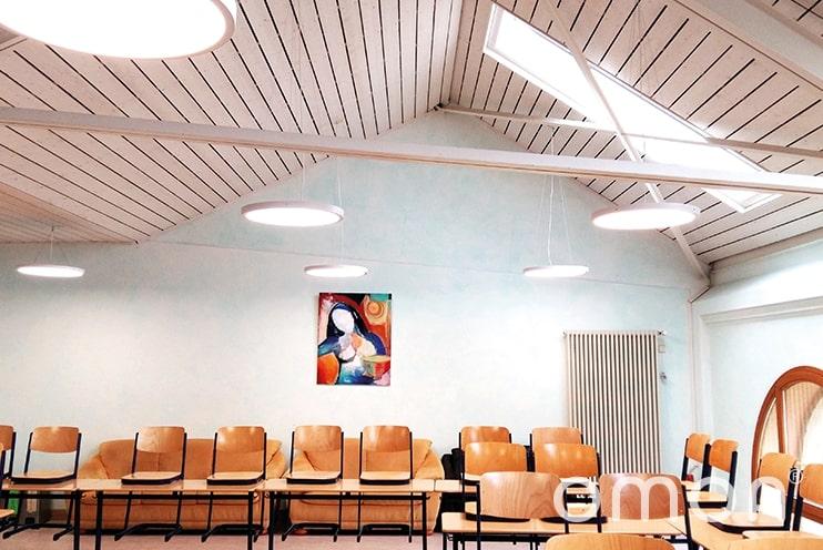 Klassenzimmerbeleuchtung mit dem omoa LED Rundpanel Up&Down